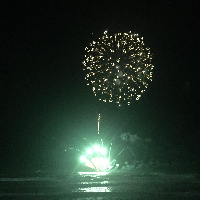 nye fireworks surfers paradise 2