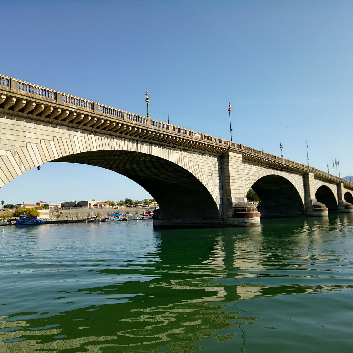 london bridge lake havasu usa road trip travel blog