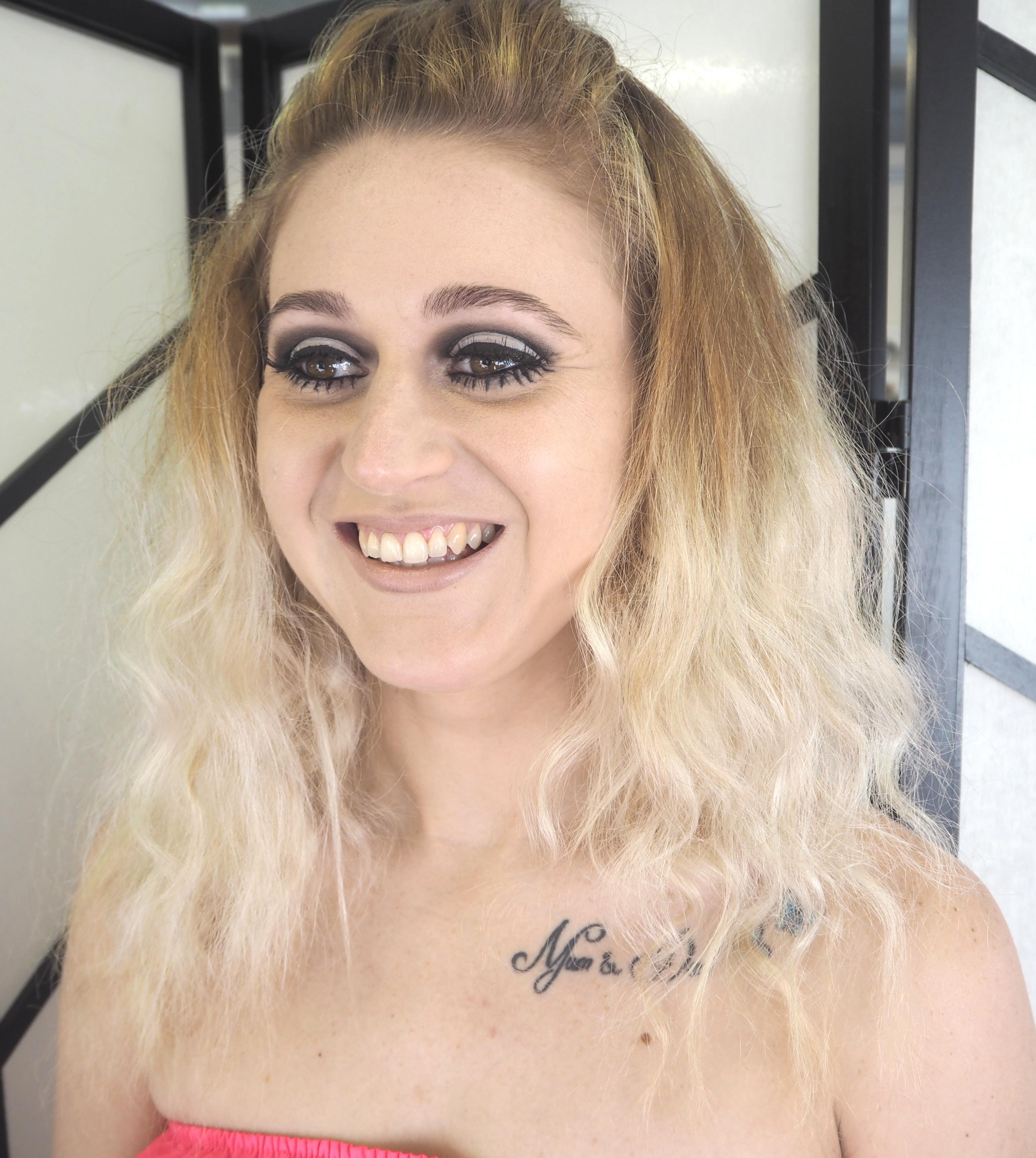 twiggy 60s makeup bardot hair