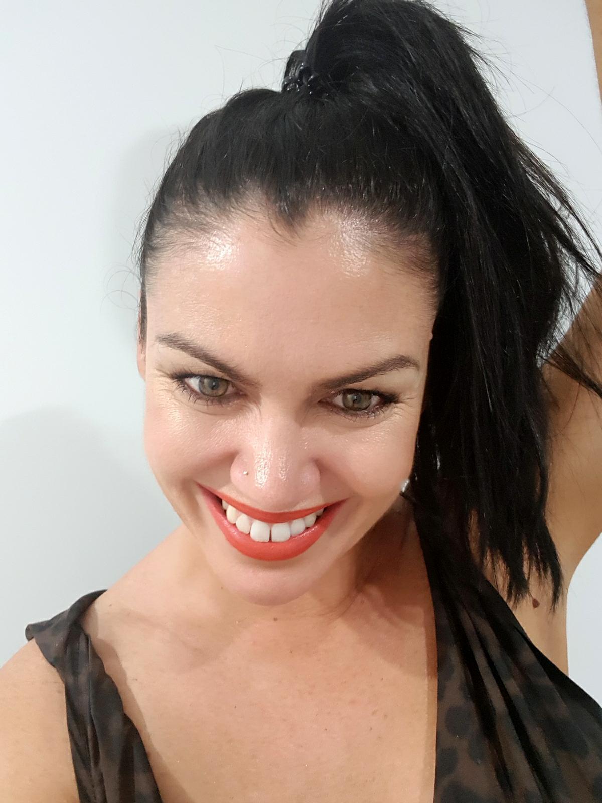 samantha clark smile white teeth arbonne lipstick orange