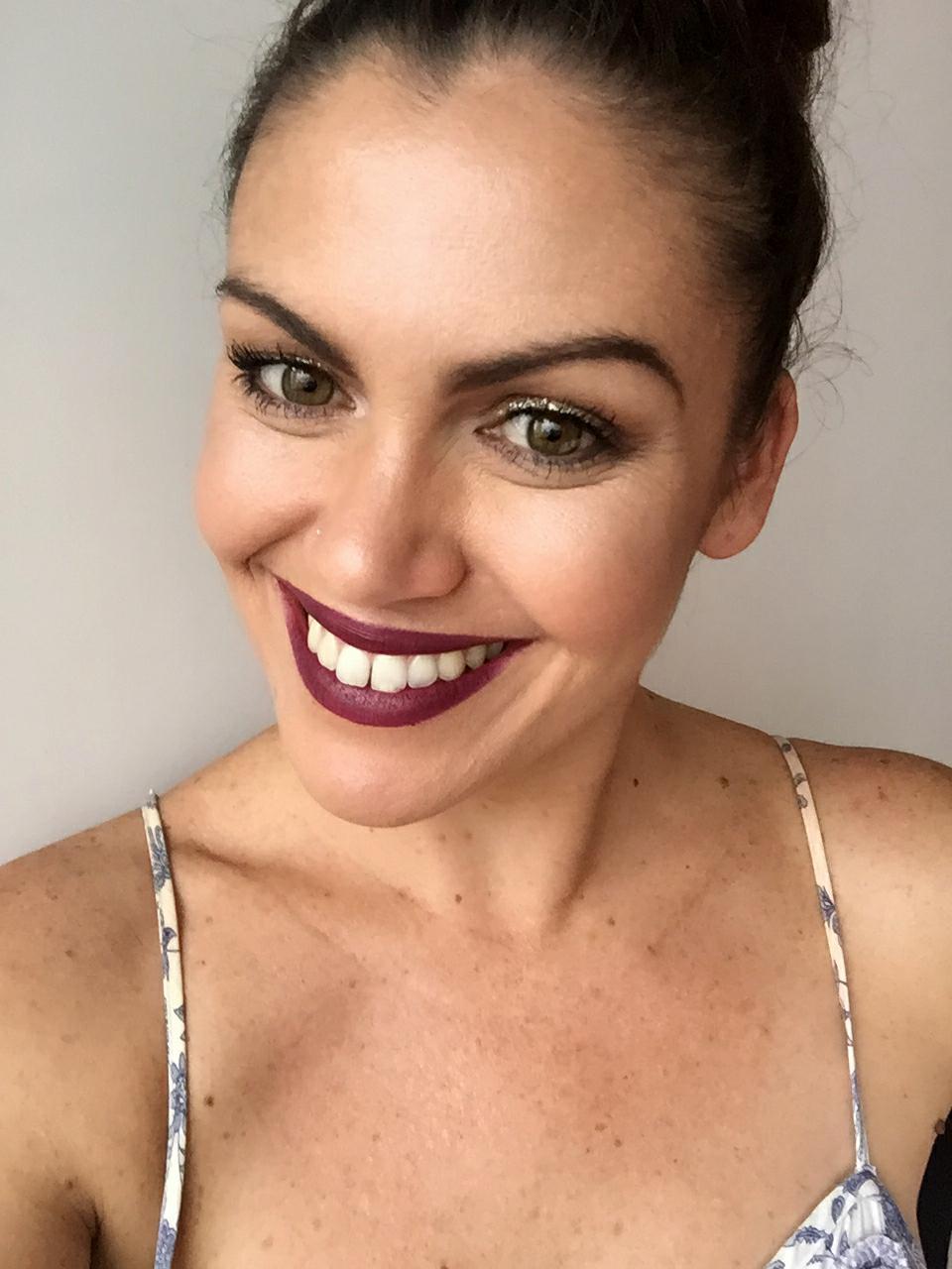 samantha clark smile white teeth arbonne lipstick plum