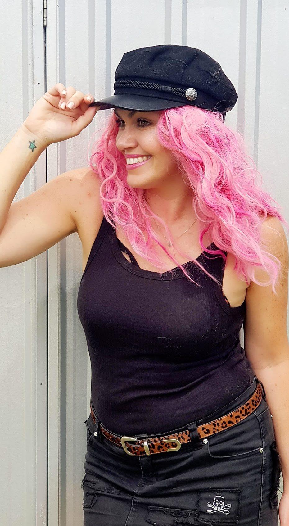 samantha clark waters confidence blog lifestyle fashion pink hair hat