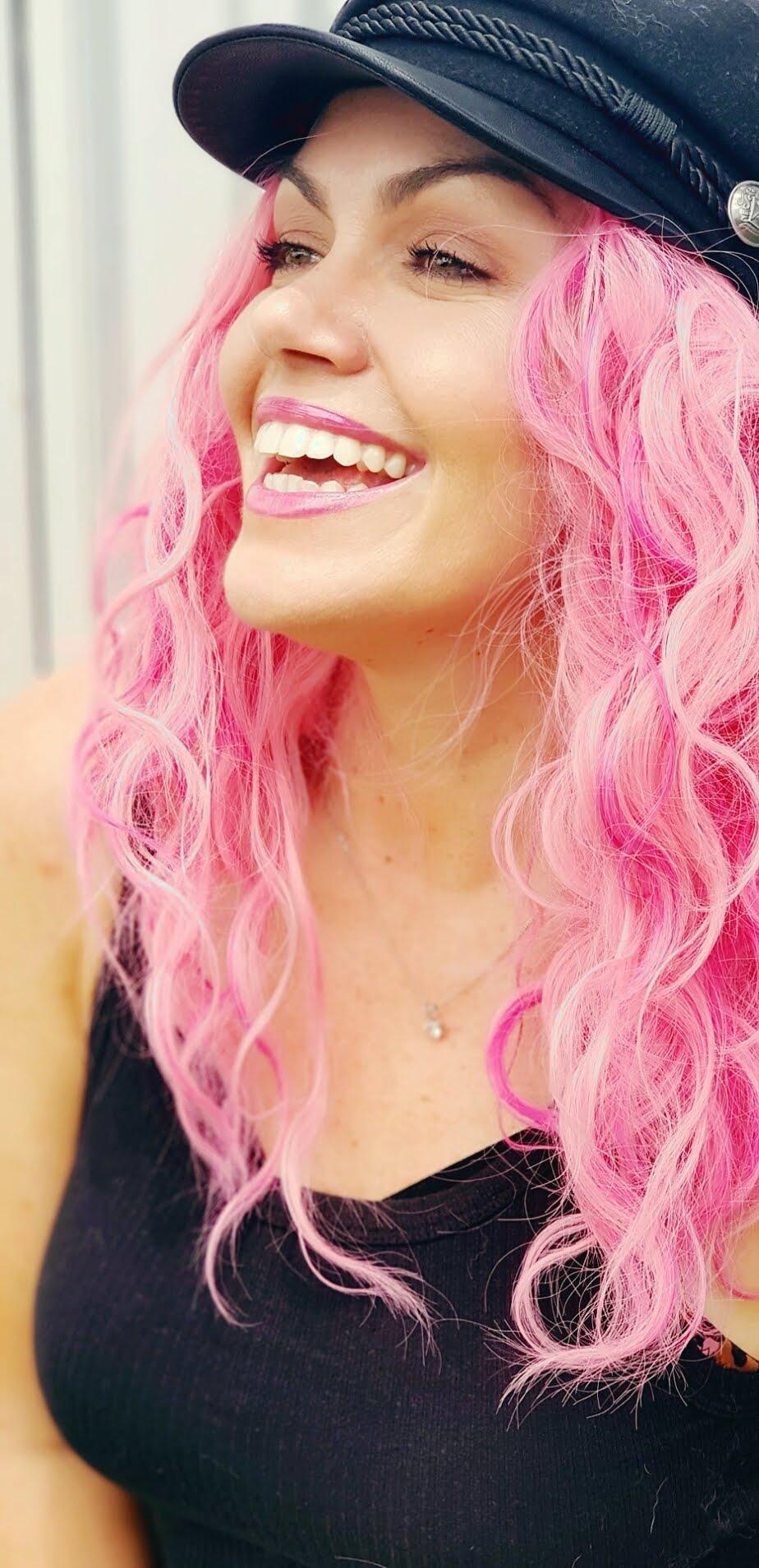 samantha clark waters confidence blog lifestyle fashion pink hair